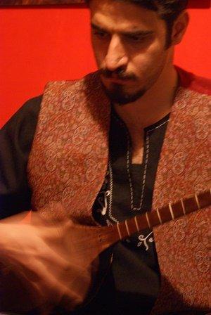 امیر حمزه حسینی مدرس تنبور، مسلط به مقام های تنبور، آهنگسازی در زمینه مقامی و عرفانی ، گروه نوازي تنبور در دانشگاه علامه