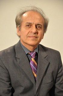 ایرج تشرفی( گیتار کلاسیک و پاپ)